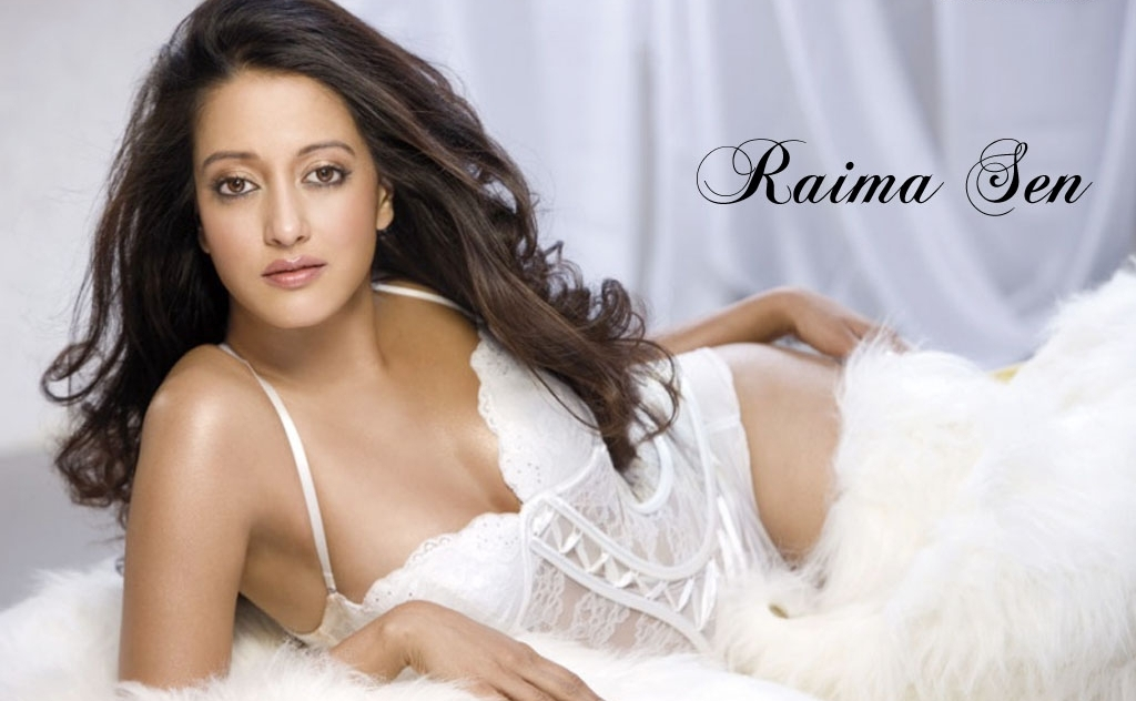 Raima-Sen-Charming-In-HD-Sexy-Wallpapers