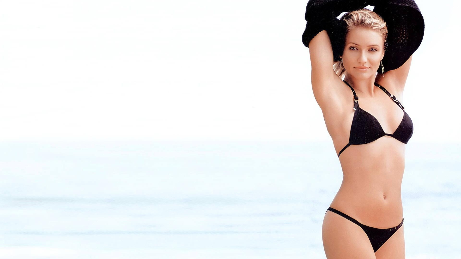 American_Actress_Cameron_Diaz_HD_bikini_Wallpapers