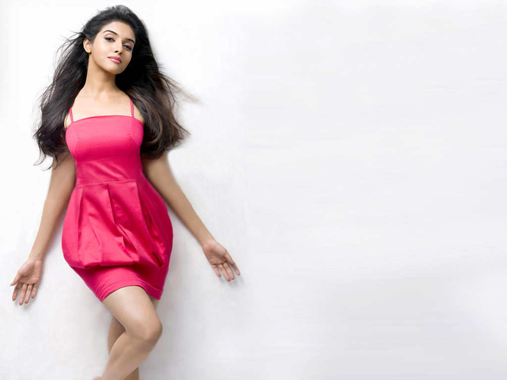 asin-pics-photos-images-stills-wallpapers