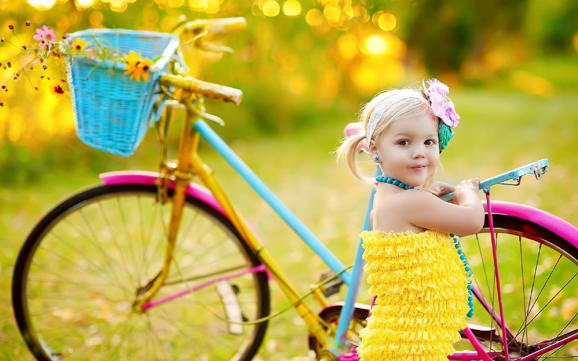 cute-girl-with-bicycle-very-happy-hd-wallpaper