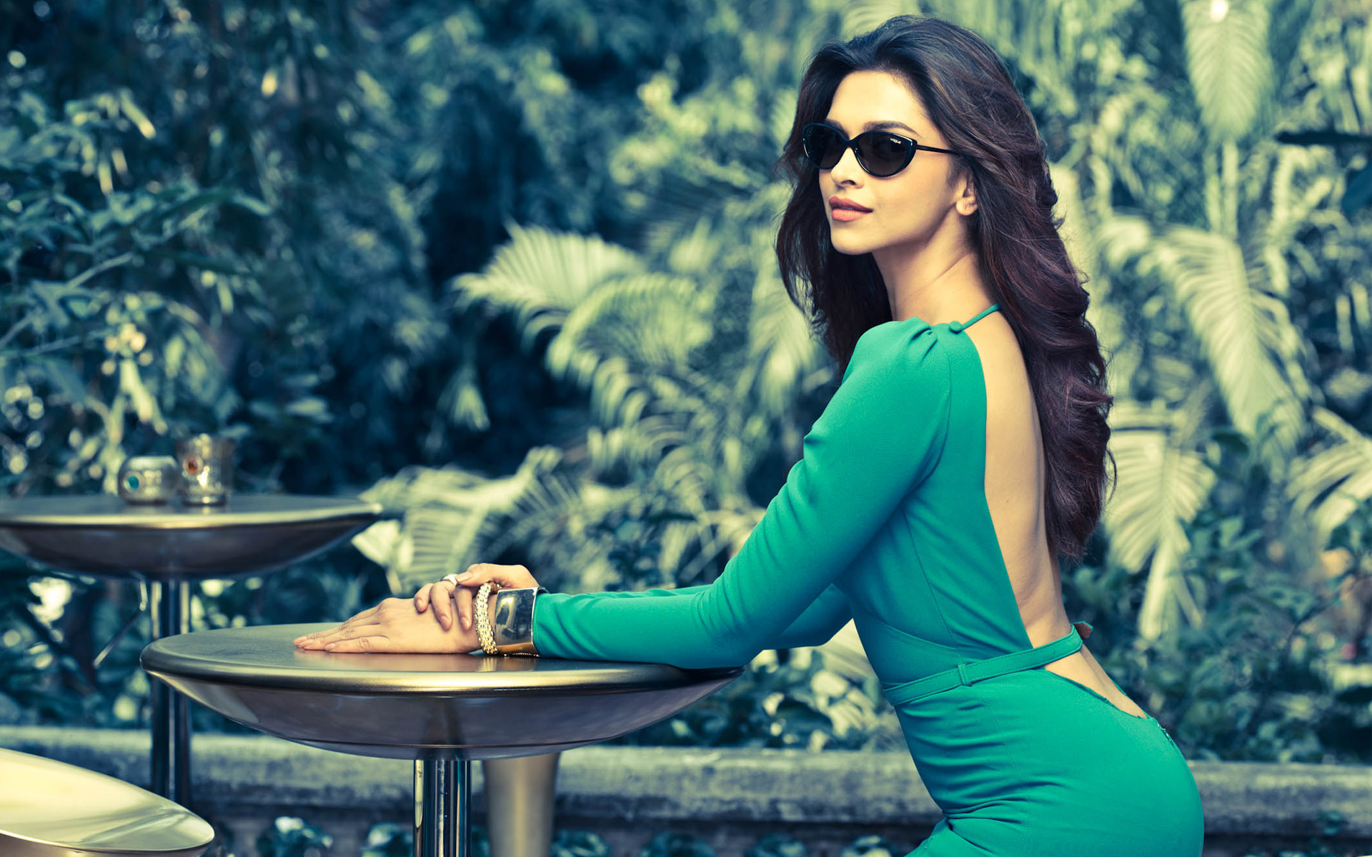 deepika_padukone_vogue_eyewear-wide