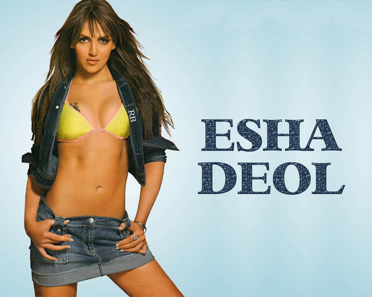 esha-deol-spicy-navel-show-wallpaper