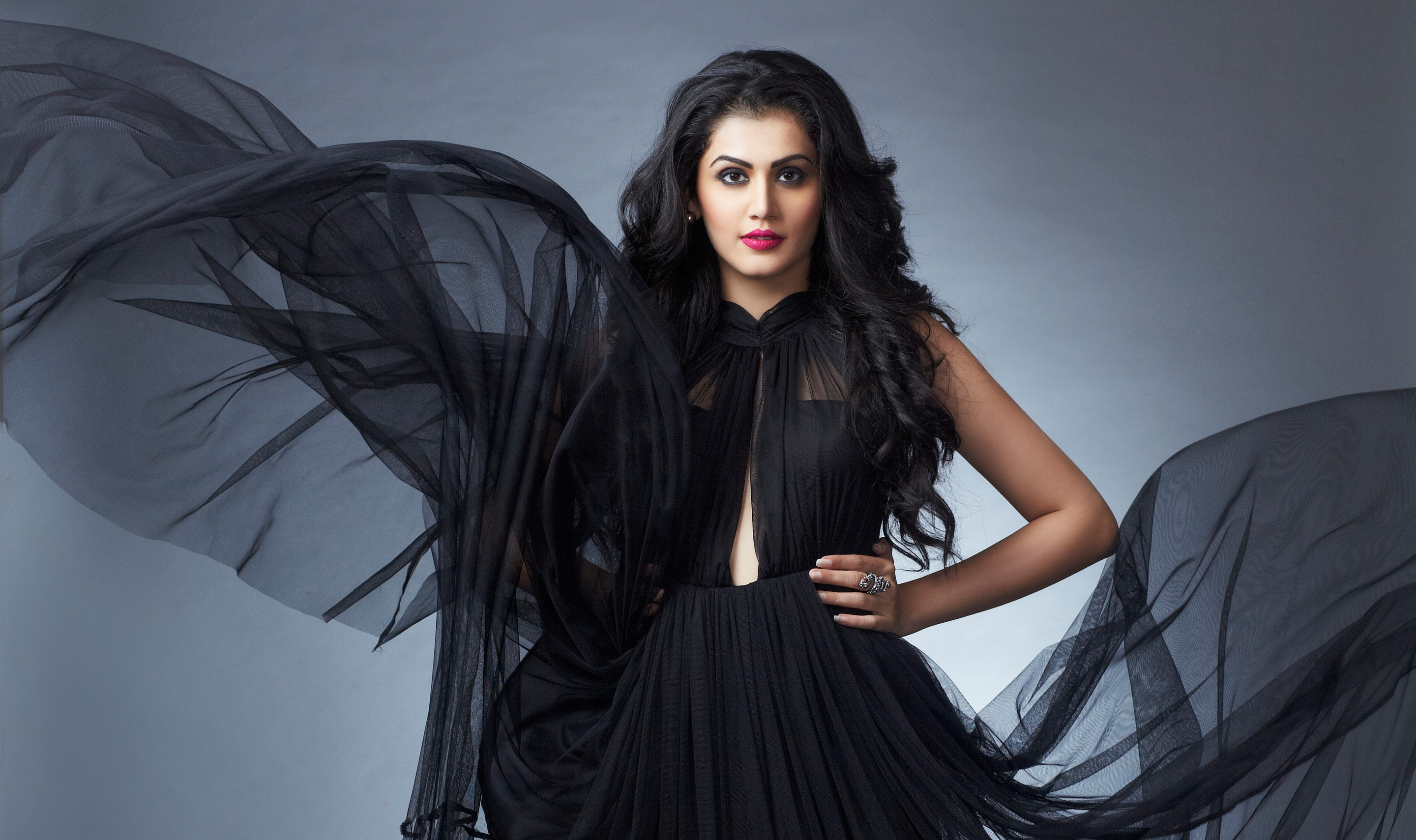 tapsee_pannu_4k-wide-wallpapers