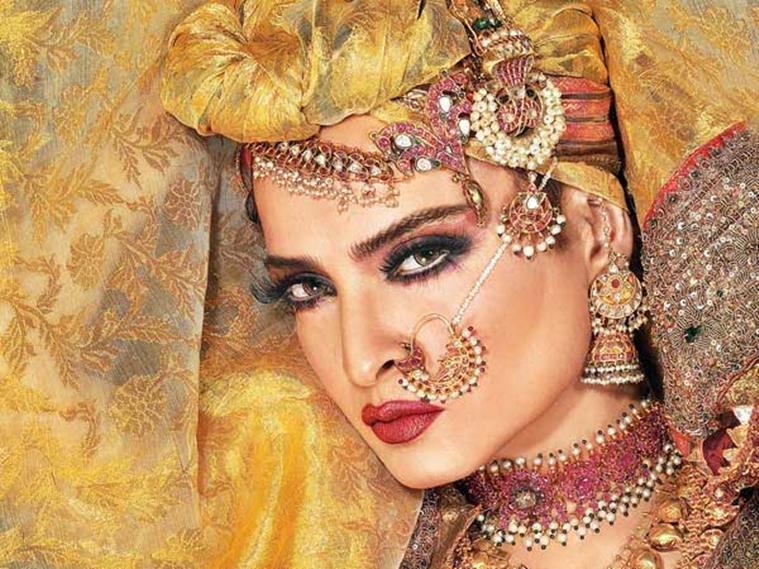 rekha-hd-cute-face-wallpapers