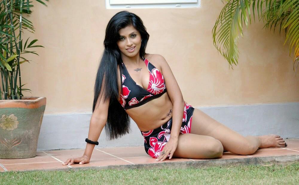 Aarthi Puri-heroines-pics