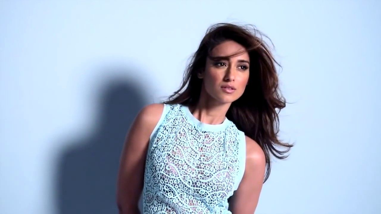 Cute-Ileana-DCruz-Images-HD-Wallpaper