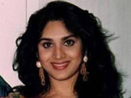 Meenakshi Sheshadri Wallpapers hd Free Download