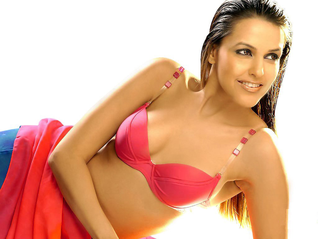 neha-dhupia-hot-desktop-wallpapers