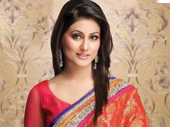 Beautiful-Hina-Khan-HD-Pics