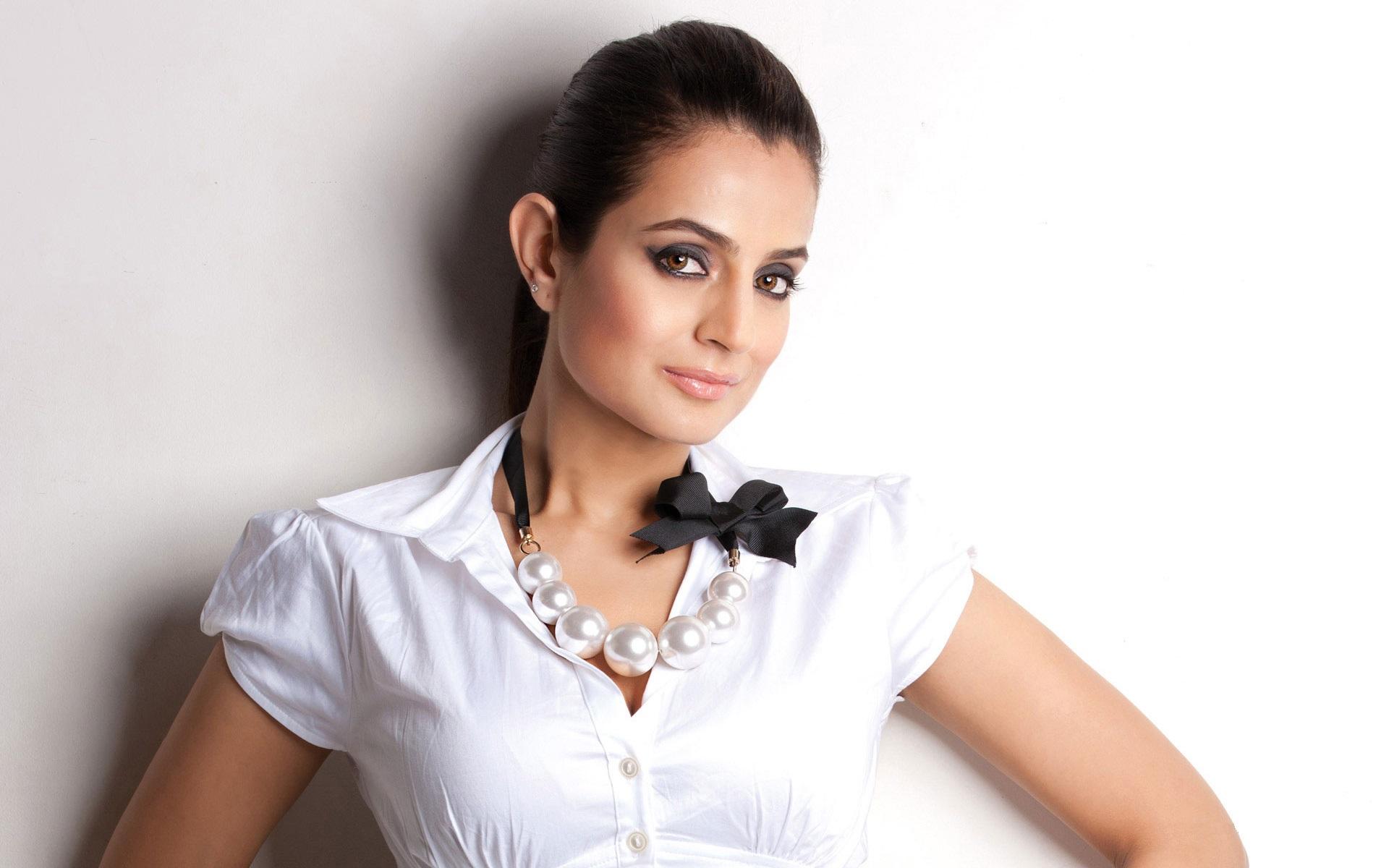 Ameesha-Patel-photos