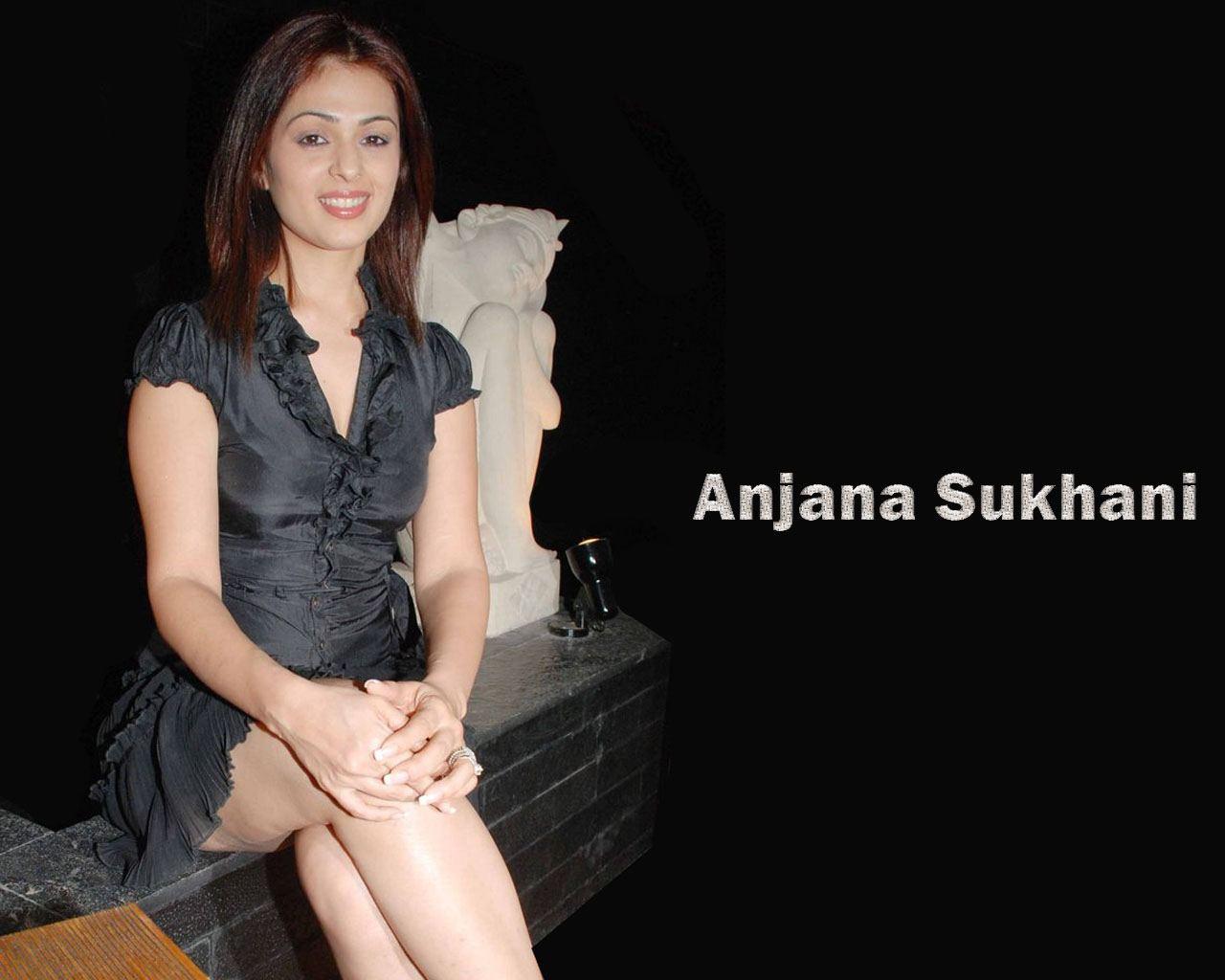 Anjana-Sukhani-hot-and-legs-hd-wallpaper