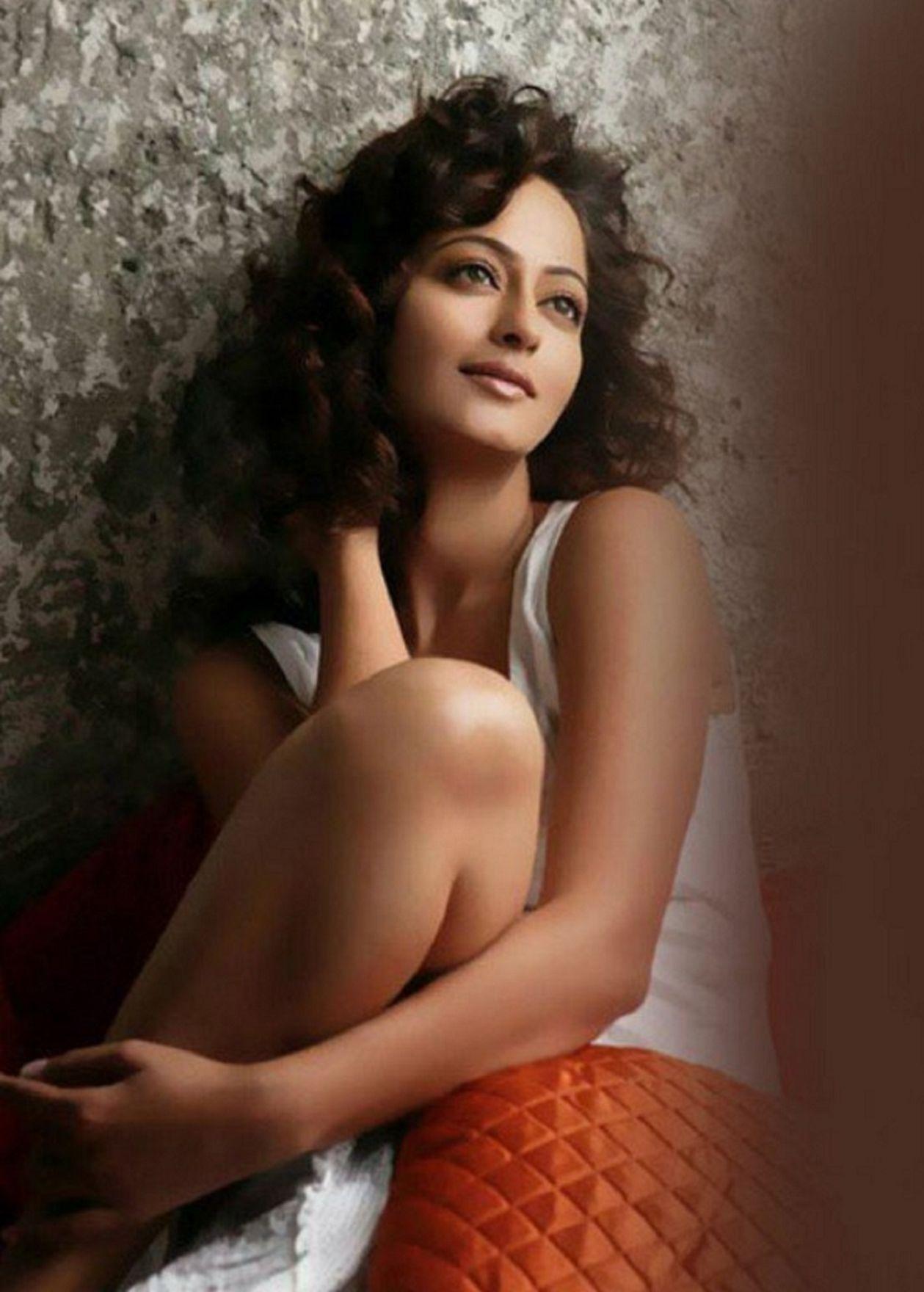 kaveri-jha-actress-wallpapers