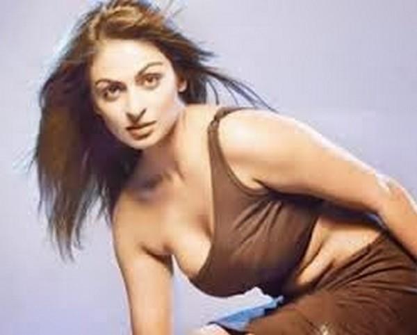 Neeru-Bajwa-casting-couch-ghaintpunjab