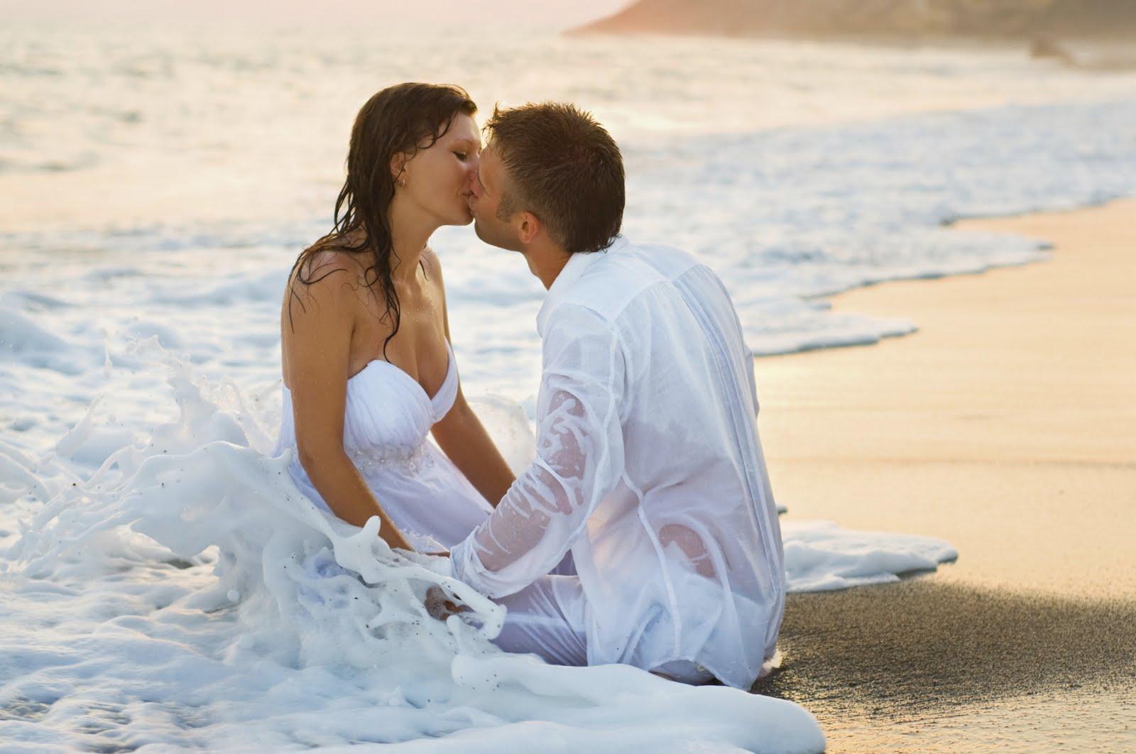 Romantic Kiss Desktop Wallpapersfree Wallpapers