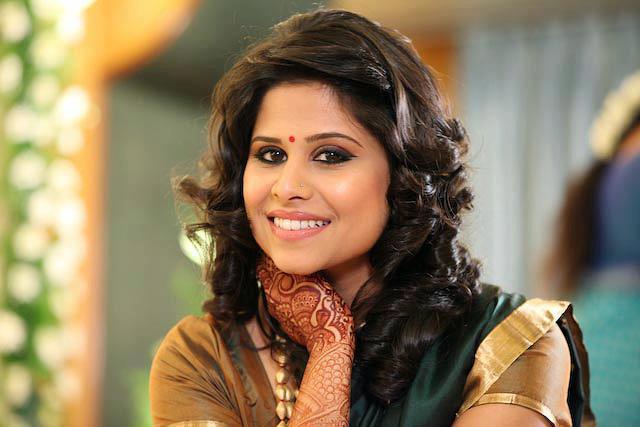 Sai-Tamhankar-Marathi-Actress-Photos-Biography-Wallpapers
