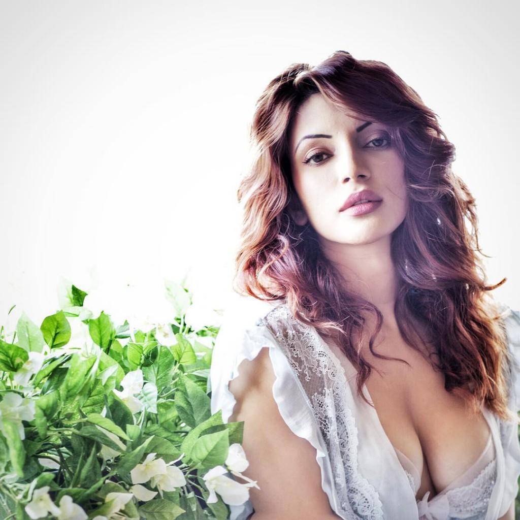 Shama-Sikander-hot-sexy-photos