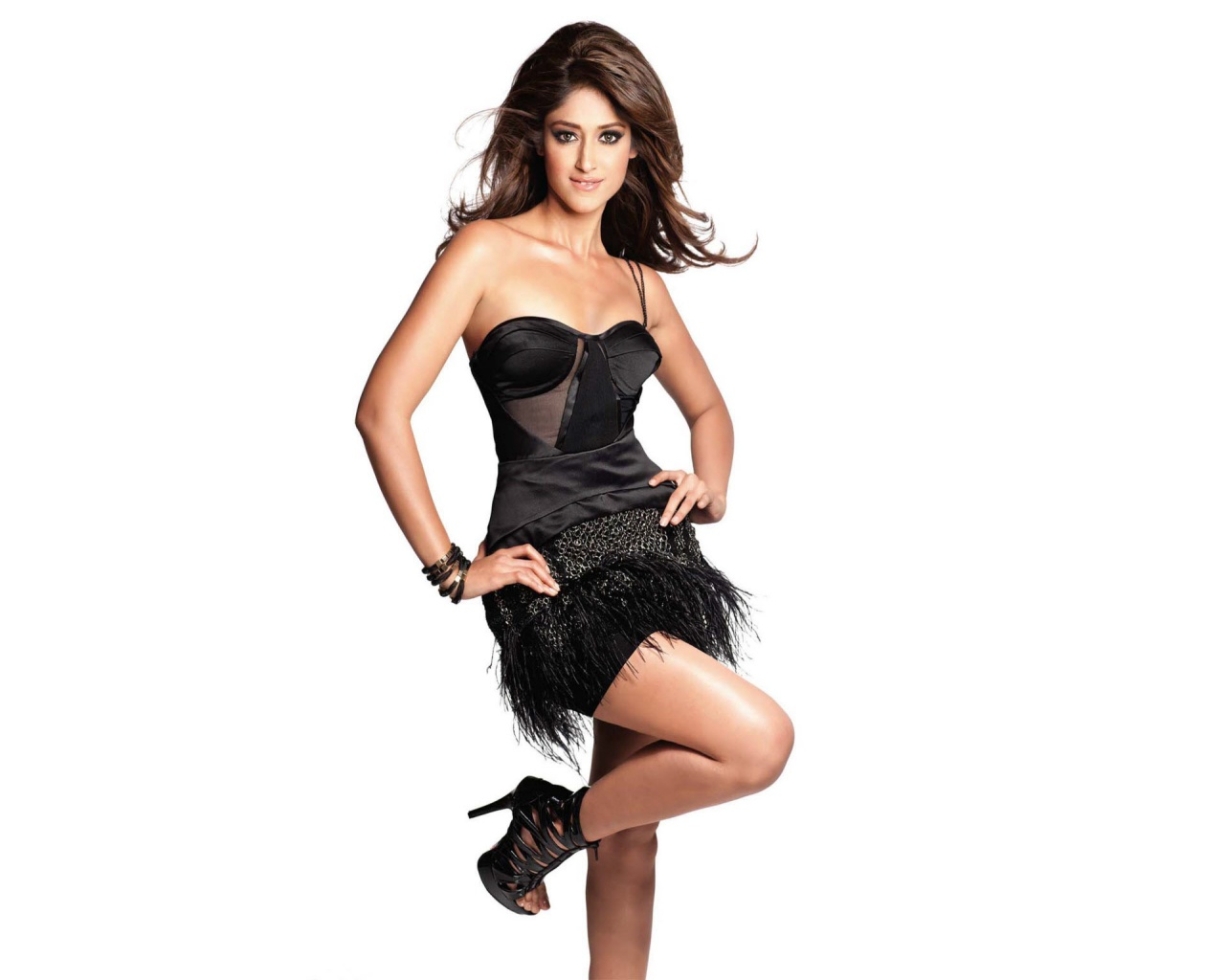 download_wallpapers_1280_1024_ileana_dcruz
