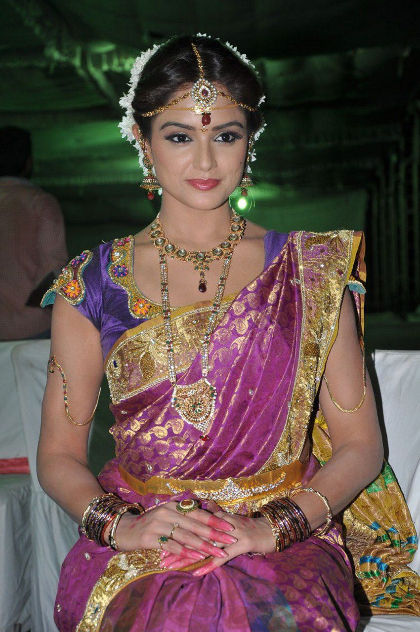 asmita_sood_telugu_actress_saree_stills_