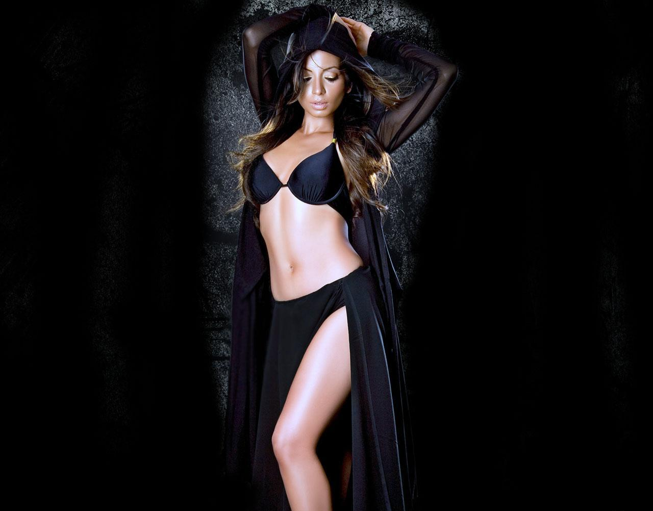 sexy Shama Sikandar images