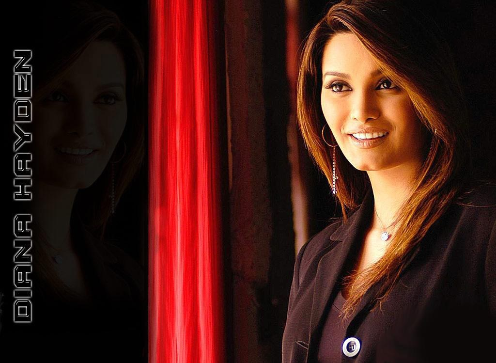 Diana-Hayden-hot-deskstop-wallpapers
