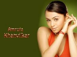 Amruta-Khanvilkar-New-Look-Wallpaper