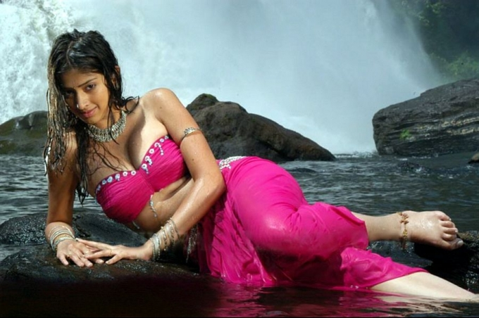 lakshmi-rai-hot-pics-collection