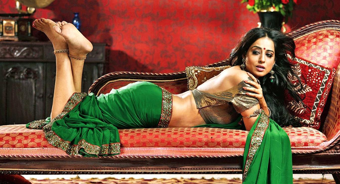 mahi_gill_hot_in_saree