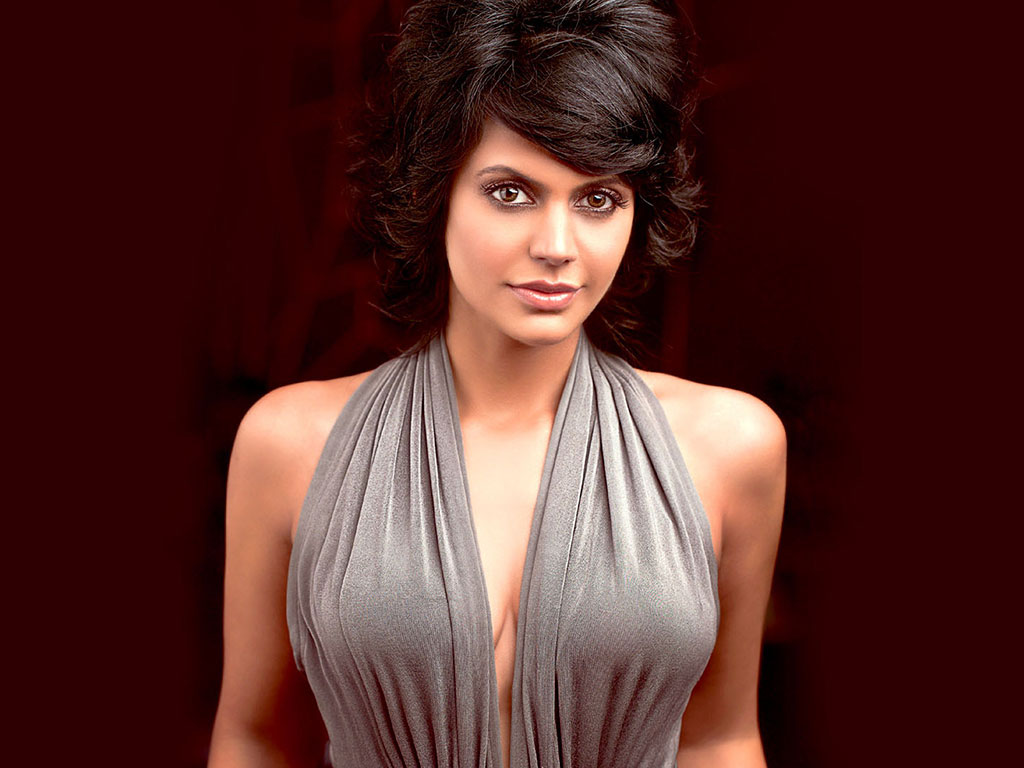 Mandira-Bedi-cute-wallpapers