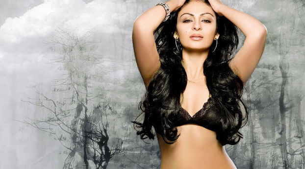 neeru-bajwa-new-hd-sizzling-photos