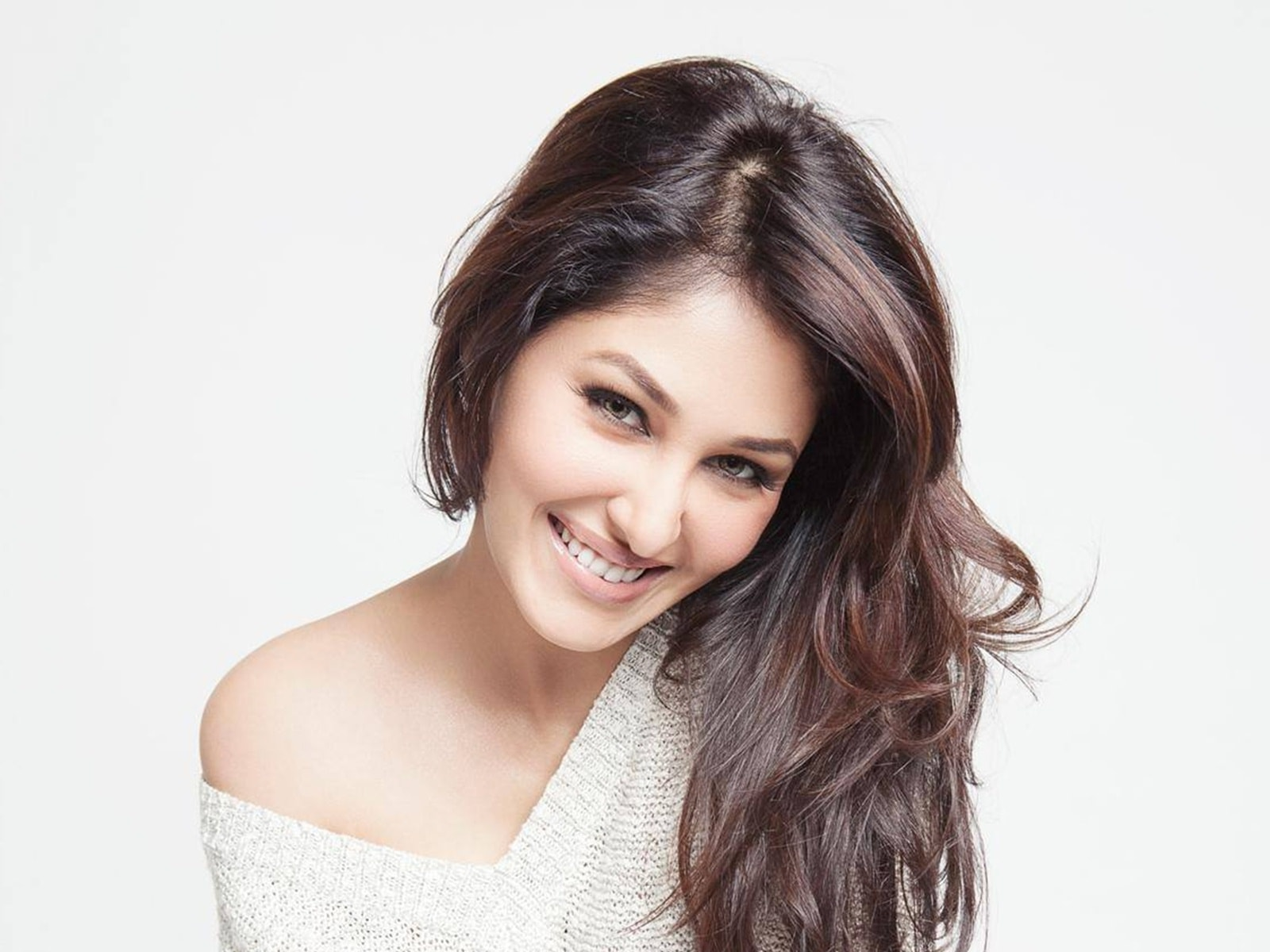 Pooja-Chopra-Wallpapers