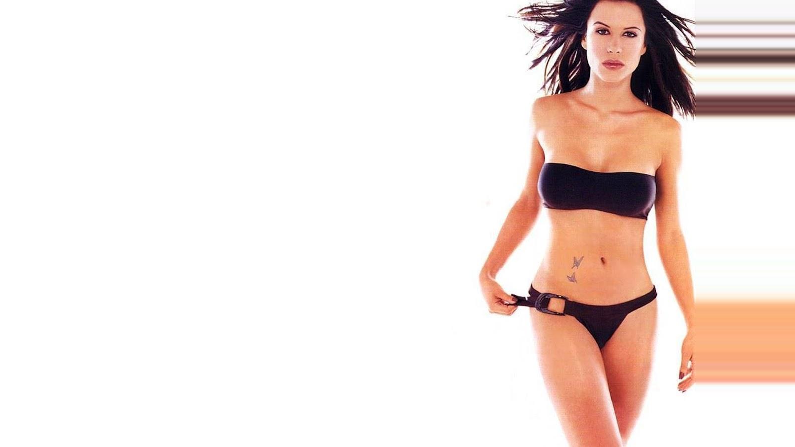 rhona-mitra-in-tight-bikini