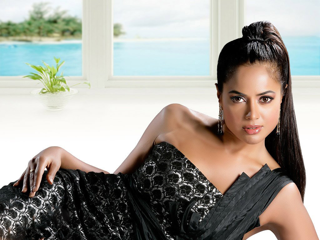 sameera-reddy-gorgeous-latest-images