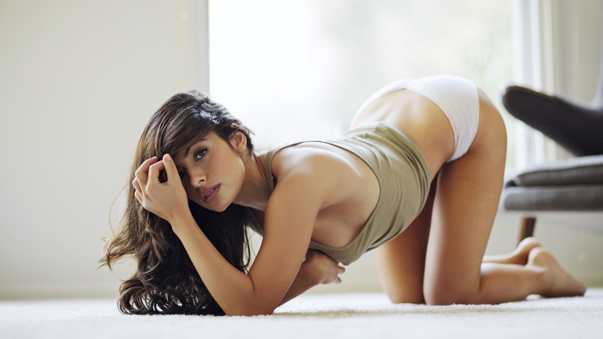 sarah-shahi-wallpaper