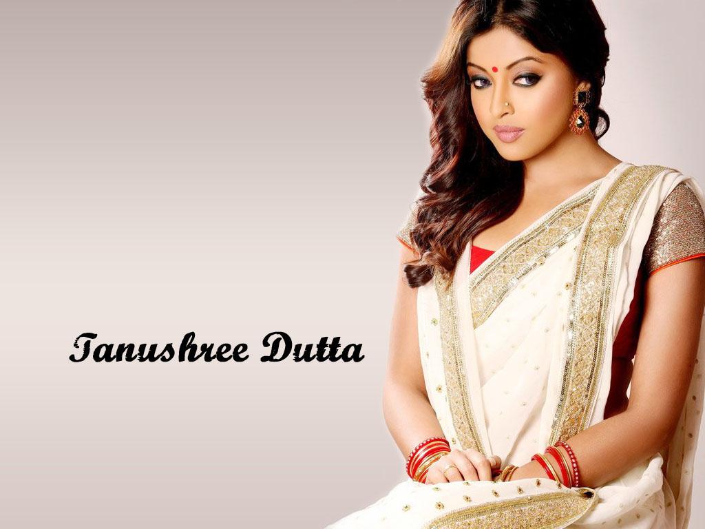 tanushree-dutta-hot-photos-in-saree